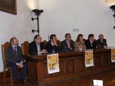 Mesa inaugural de la I O.F.E.