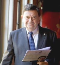 M.J.Lopez-Presid-CRUE
